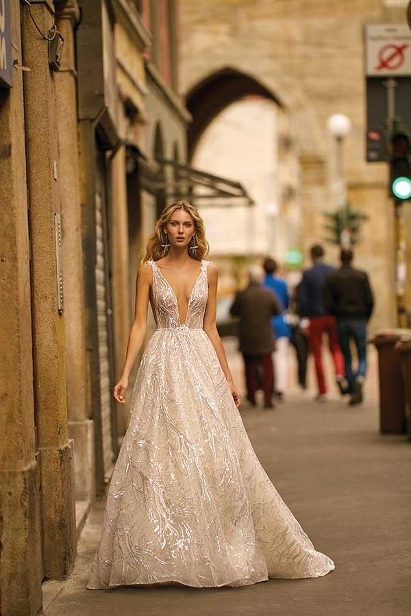 Berta 20-12 wedding gown primalicia Milano collection